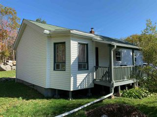 Photo 1: 2883 St. Margaret's Bay Road in Timberlea: 40-Timberlea, Prospect, St. Margaret`S Bay Residential for sale (Halifax-Dartmouth)  : MLS®# 202021038