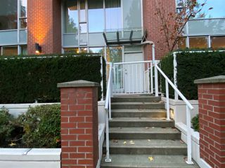 Main Photo: 39 KEEFER Place in Vancouver: Downtown VW Townhouse for sale (Vancouver West)  : MLS®# R2514052