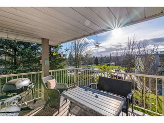 "Photo 17: 232 13900 HYLAND Road in Surrey: East Newton Townhouse for sale in ""Hyland Grove"" : MLS®# R2519167"
