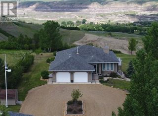 Photo 2: 750 Monarch  Hill in Drumheller: House for sale : MLS®# A1051022