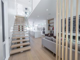 Photo 3: 10546 129 Street in Edmonton: Zone 07 House for sale : MLS®# E4172423
