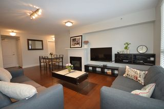 "Photo 3: 407 2988 ALDER Street in Vancouver: Fairview VW Condo for sale in ""SHAUGHNESSY GATE"" (Vancouver West)  : MLS®# R2418434"
