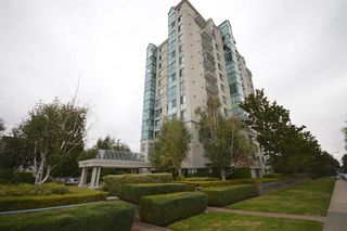 "Photo 1: 407 2988 ALDER Street in Vancouver: Fairview VW Condo for sale in ""SHAUGHNESSY GATE"" (Vancouver West)  : MLS®# R2418434"