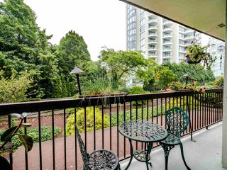 "Photo 15: 205 620 SEVENTH Avenue in New Westminster: Uptown NW Condo for sale in ""Charter House"" : MLS®# R2498799"