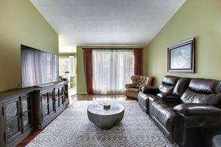 Photo 11: 22 EVERGREEN Bay SW in Calgary: Evergreen Detached for sale : MLS®# A1033226