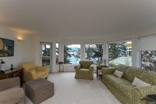 Photo 13: 201 2275 Comox Ave in : CV Comox (Town of) Condo for sale (Comox Valley)  : MLS®# 858232