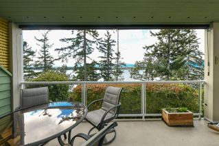 Photo 12: 201 2275 Comox Ave in : CV Comox (Town of) Condo for sale (Comox Valley)  : MLS®# 858232