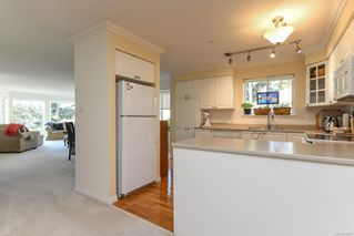 Photo 7: 201 2275 Comox Ave in : CV Comox (Town of) Condo for sale (Comox Valley)  : MLS®# 858232