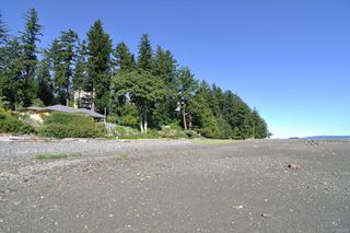 Photo 40: 201 2275 Comox Ave in : CV Comox (Town of) Condo for sale (Comox Valley)  : MLS®# 858232