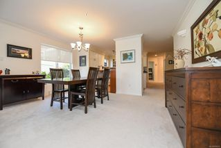 Photo 6: 201 2275 Comox Ave in : CV Comox (Town of) Condo for sale (Comox Valley)  : MLS®# 858232