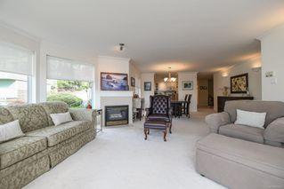 Photo 5: 201 2275 Comox Ave in : CV Comox (Town of) Condo for sale (Comox Valley)  : MLS®# 858232