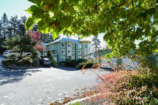 Photo 11: 201 2275 Comox Ave in : CV Comox (Town of) Condo for sale (Comox Valley)  : MLS®# 858232