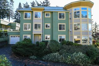 Photo 37: 201 2275 Comox Ave in : CV Comox (Town of) Condo for sale (Comox Valley)  : MLS®# 858232