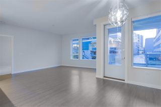 """Photo 6: 122 255 W 1ST Street in North Vancouver: Lower Lonsdale Condo for sale in """"West Quay"""" : MLS®# R2515636"""