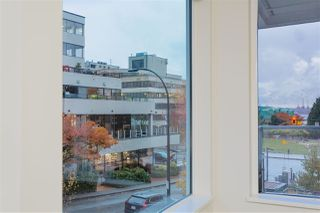 """Photo 8: 122 255 W 1ST Street in North Vancouver: Lower Lonsdale Condo for sale in """"West Quay"""" : MLS®# R2515636"""