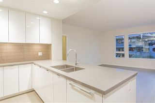 """Photo 5: 122 255 W 1ST Street in North Vancouver: Lower Lonsdale Condo for sale in """"West Quay"""" : MLS®# R2515636"""