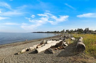 Photo 5: 207 2676 S Island Hwy in : CR Willow Point Condo for sale (Campbell River)  : MLS®# 860432