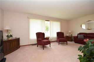 Photo 3: 90 Arrowwood Drive in Winnipeg: Garden City Residential for sale (4G)  : MLS®# 1924503