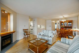 """Photo 3: 201 3 K DE K Court in New Westminster: Quay Condo for sale in """"Quayside Terrace"""" : MLS®# R2413144"""
