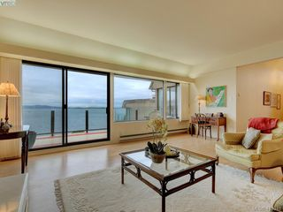 Photo 10: 302 1211 Beach Drive in VICTORIA: OB South Oak Bay Condo Apartment for sale (Oak Bay)  : MLS®# 419348