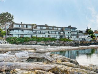 Photo 1: 302 1211 Beach Drive in VICTORIA: OB South Oak Bay Condo Apartment for sale (Oak Bay)  : MLS®# 419348