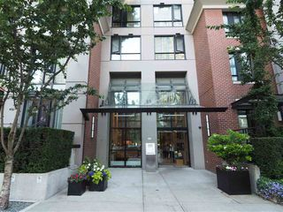 Photo 2: 1303 928 HOMER STREET: Yaletown Home for sale ()  : MLS®# R2186271