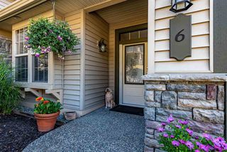 """Photo 2: 6 2842 WHATCOM Road in Abbotsford: Abbotsford East Townhouse for sale in """"Forest Ridge"""" : MLS®# R2480904"""
