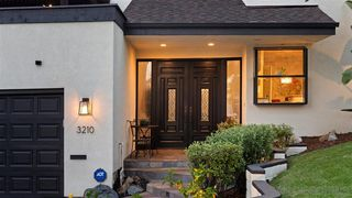 Photo 2: MISSION HILLS House for sale : 4 bedrooms : 3210 Goldfinch St in San Diego