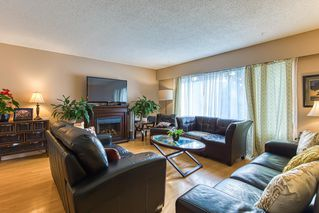 Photo 4: 20141 53 Avenue in Langley: Langley City House for sale : MLS®# R2514139