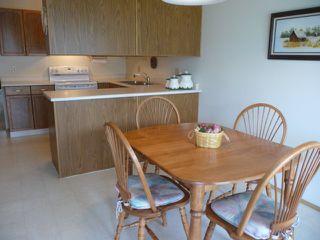 Photo 6: 33 9704 165 Street NW in Edmonton: Zone 22 House Half Duplex for sale : MLS®# E4168475