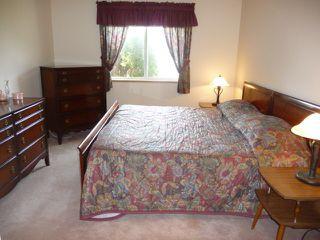 Photo 9: 33 9704 165 Street NW in Edmonton: Zone 22 House Half Duplex for sale : MLS®# E4168475