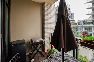 "Photo 16: 404 1252 HORNBY Street in Vancouver: Downtown VW Condo for sale in ""PURE"" (Vancouver West)  : MLS®# R2404527"