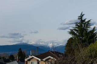 Photo 4: 2876 E 22ND Avenue in Vancouver: Renfrew Heights House for sale (Vancouver East)  : MLS®# R2442169