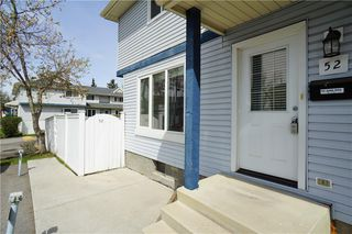Photo 1: 52 FALCONER Terrace NE in Calgary: Falconridge Row/Townhouse for sale : MLS®# C4291613