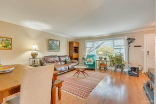 """Photo 3: 123 9061 HORNE Street in Burnaby: Government Road Townhouse for sale in """"BRAEMAR GARDEN"""" (Burnaby North)  : MLS®# R2447617"""