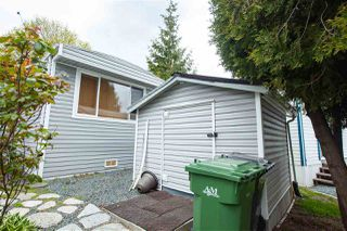 "Photo 11: 119 8220 KING GEORGE Boulevard in Surrey: Bear Creek Green Timbers Manufactured Home for sale in ""Crestway Bays"" : MLS®# R2451336"