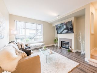 """Photo 5: 263 2501 161A Street in Surrey: Grandview Surrey Townhouse for sale in """"Highland Park"""" (South Surrey White Rock)  : MLS®# R2467326"""