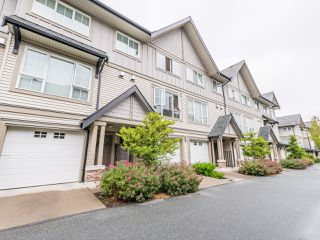 "Photo 1: 263 2501 161A Street in Surrey: Grandview Surrey Townhouse for sale in ""Highland Park"" (South Surrey White Rock)  : MLS®# R2467326"