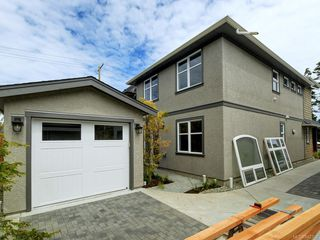 Photo 19: 2750 Gosworth Rd in Victoria: Vi Oaklands Single Family Detached for sale : MLS®# 842762