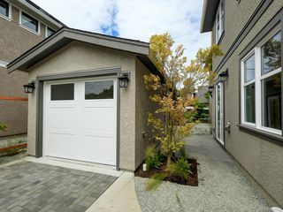 Photo 18: 2750 Gosworth Rd in Victoria: Vi Oaklands Single Family Detached for sale : MLS®# 842762