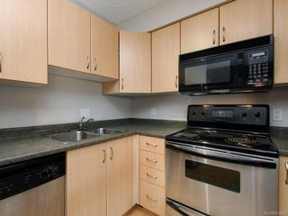 Photo 10: 203 919 MARKET St in Victoria: Vi Hillside Condo for sale : MLS®# 843802