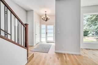 Photo 3: 108 HENDON Drive NW in Calgary: Highwood Detached for sale : MLS®# A1018512