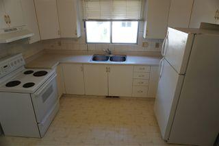 Photo 4: 10419 150 Street in Edmonton: Zone 21 House Half Duplex for sale : MLS®# E4168260