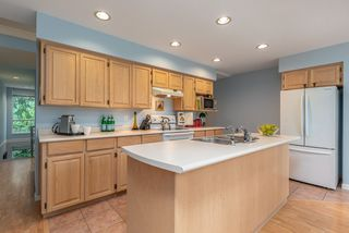 """Photo 4: 39 3228 RALEIGH Street in Port Coquitlam: Central Pt Coquitlam Townhouse for sale in """"MAPLE CREEK"""" : MLS®# R2405614"""