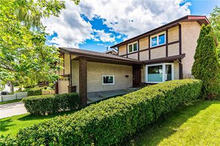 Photo 2: 63 WOODBROOK WY SW in Calgary: Woodbine House for sale : MLS®# C4255463