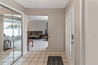 Photo 4: 63 WOODBROOK WY SW in Calgary: Woodbine House for sale : MLS®# C4255463