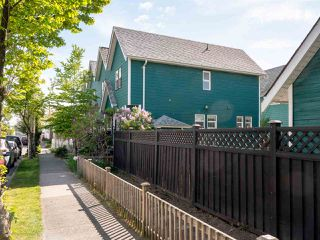 Photo 15: 683 GLEN Drive in Vancouver: Strathcona Townhouse for sale (Vancouver East)  : MLS®# R2443322