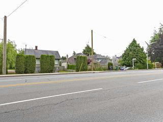 Photo 1: 2 10040 NO. 2 Road in Richmond: Woodwards House for sale : MLS®# R2451111