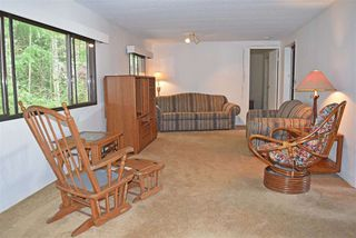 Photo 3: 33 1123 FLUME Road: Roberts Creek Manufactured Home for sale (Sunshine Coast)  : MLS®# R2462027