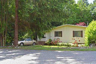 Photo 1: 33 1123 FLUME Road: Roberts Creek Manufactured Home for sale (Sunshine Coast)  : MLS®# R2462027